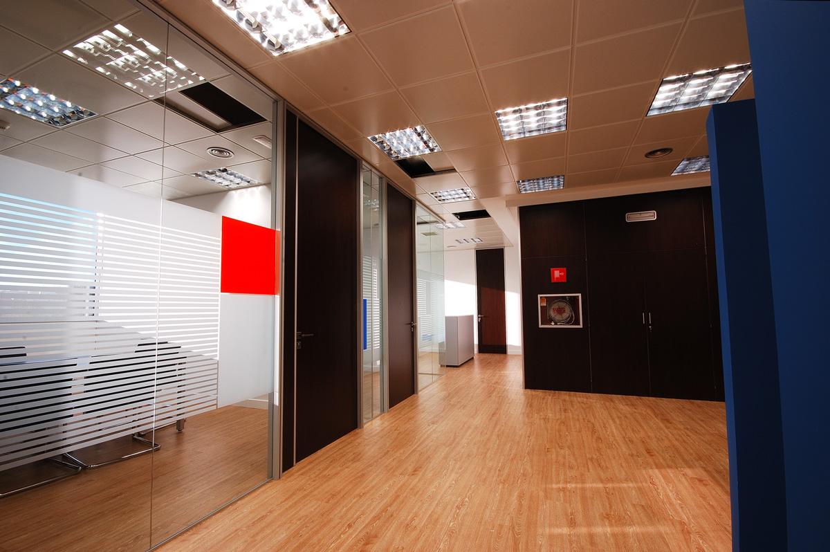 salas-reuniones-mamparas-vidrio-puerta-ciega-euclides1